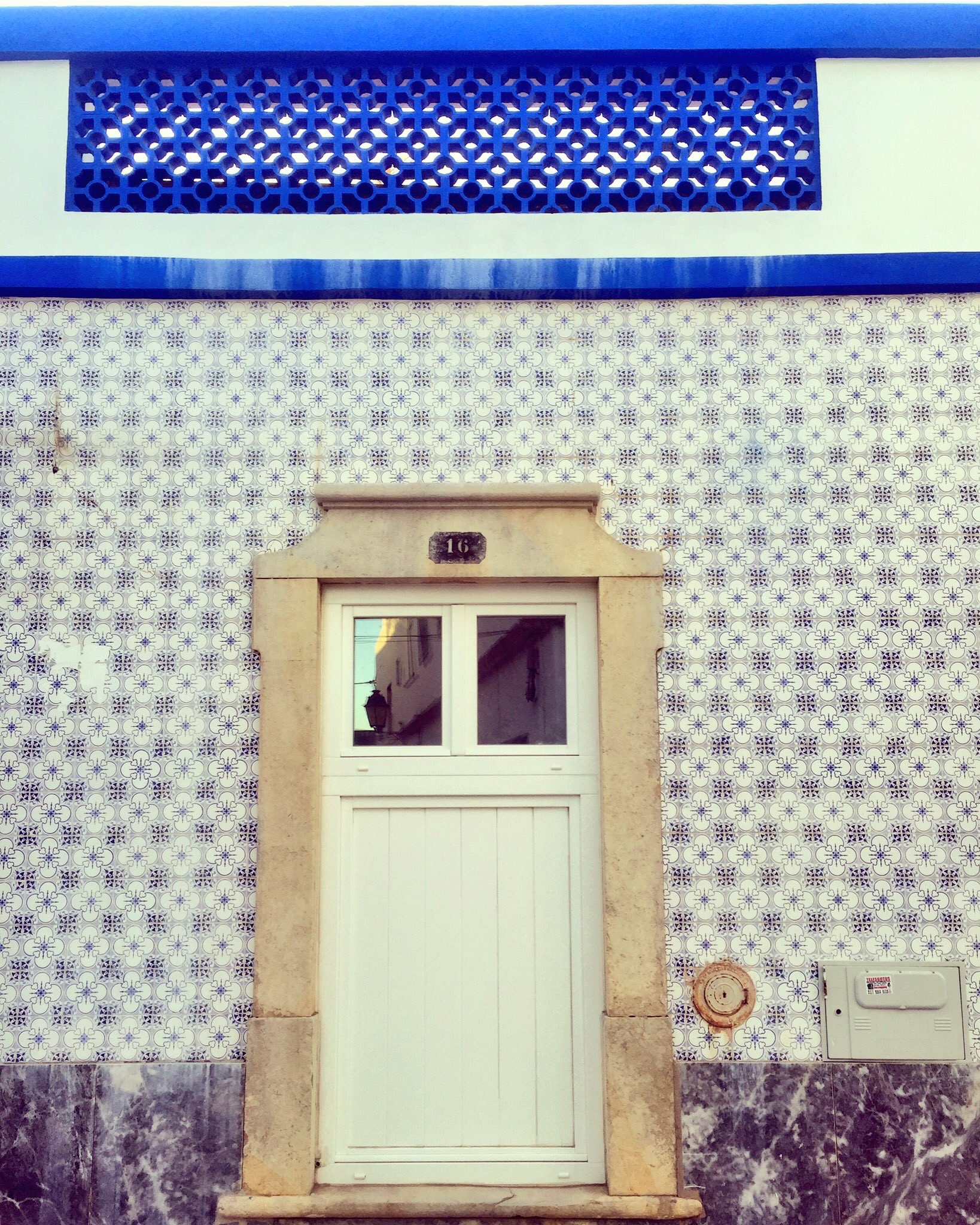 KARENMICHELLE- ARCHITECTURE - PORTUGAL 16'