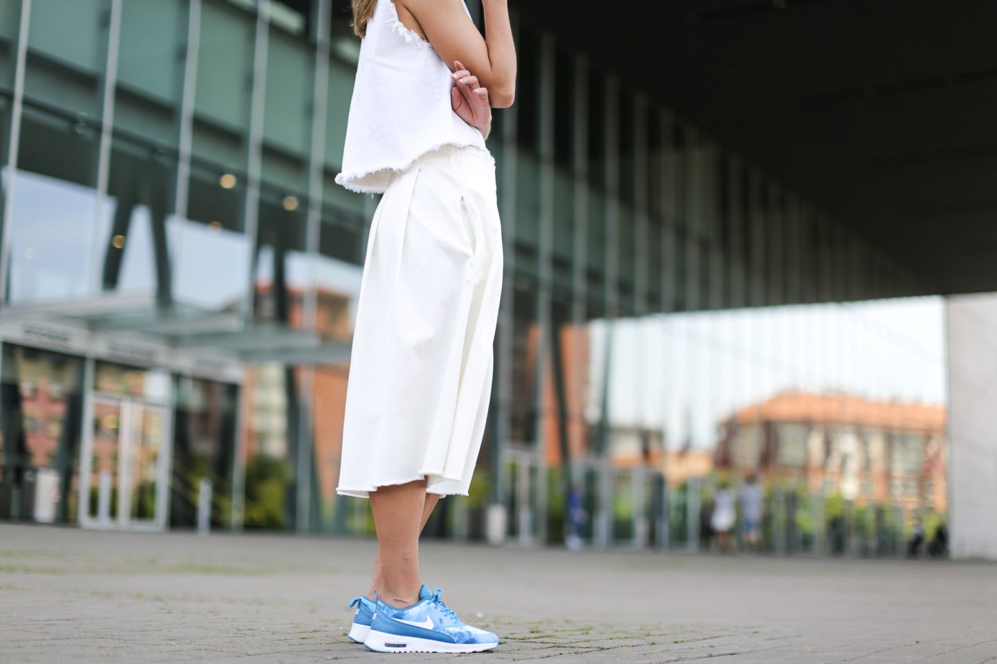 Clochet-streetstyle-nike-air-max-thea-total-white-outfit-19