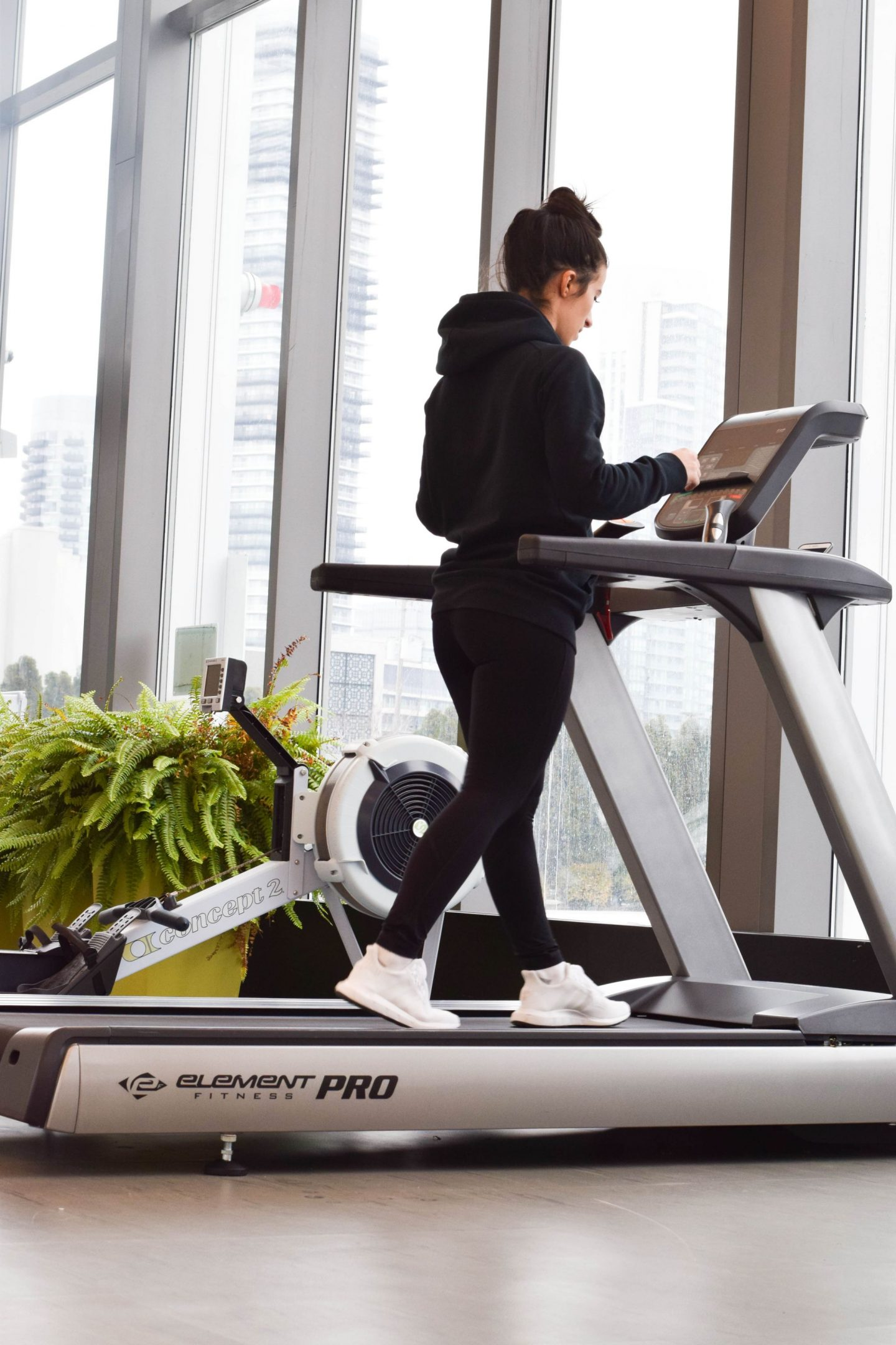 Motivation Monday: Warming Up + Interval Running On The Treadmill
