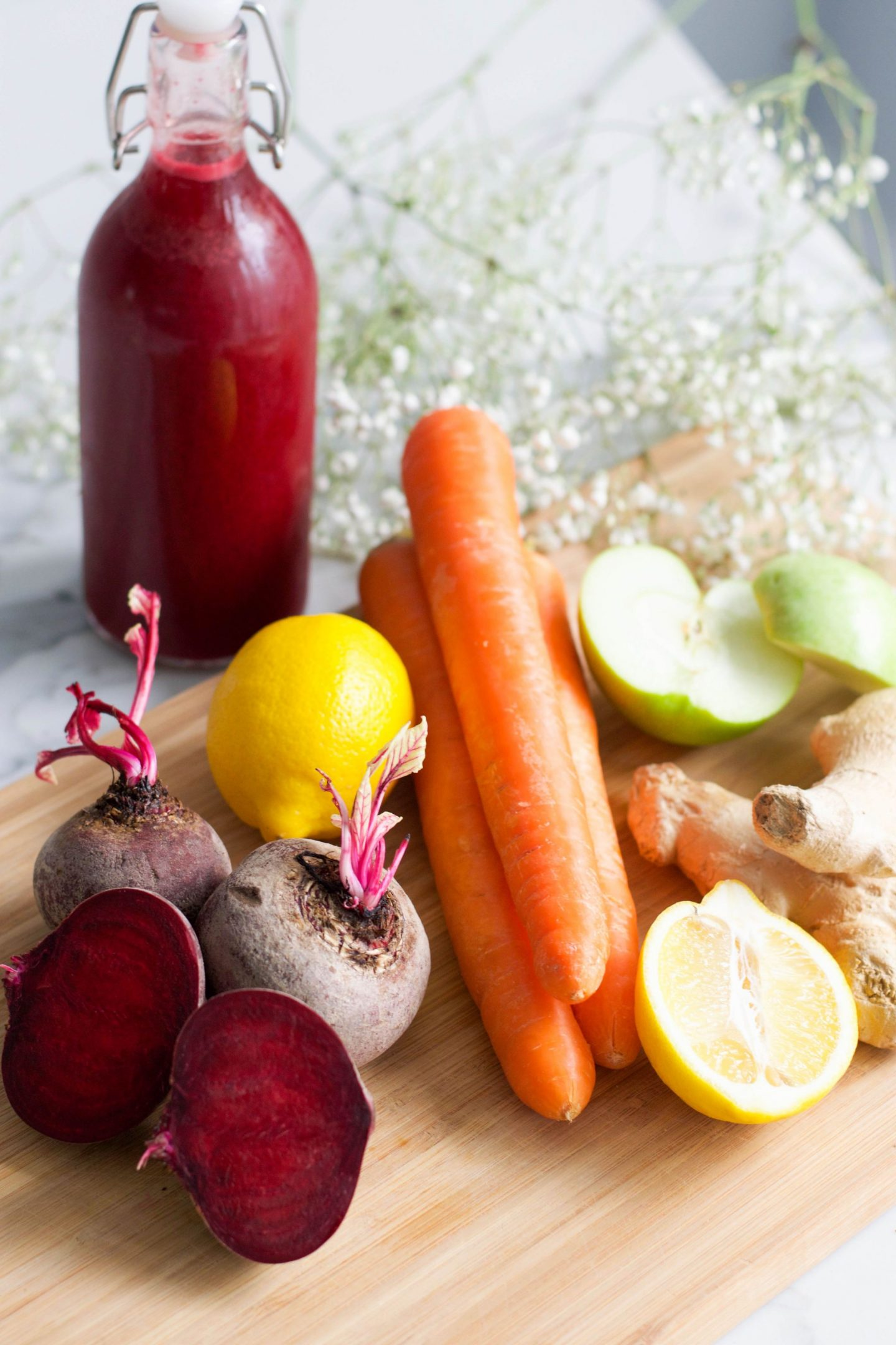 Wellness Wednesday: How to Make Your Own Vitamin Packed Juices at Home
